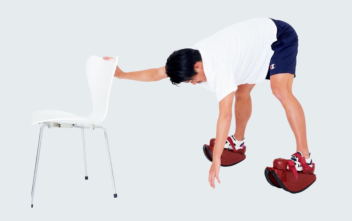 前屈も結構大変。足首、ふくらはぎが柔らかくなりそう