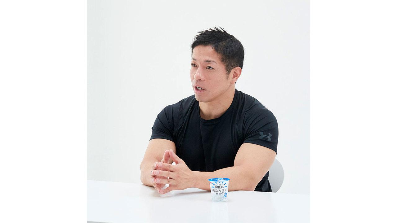 岡田隆(おかだ・たかし)/1980年生まれ。日本体育大学 体育学部 准教授。柔道全日本男子チーム 体力強化部門長。日本ボディビル&フィットネス連盟 選手強化委員。ボディビルダー。骨格筋評論家のバズーカ岡田としてもテレビなどで活躍している。