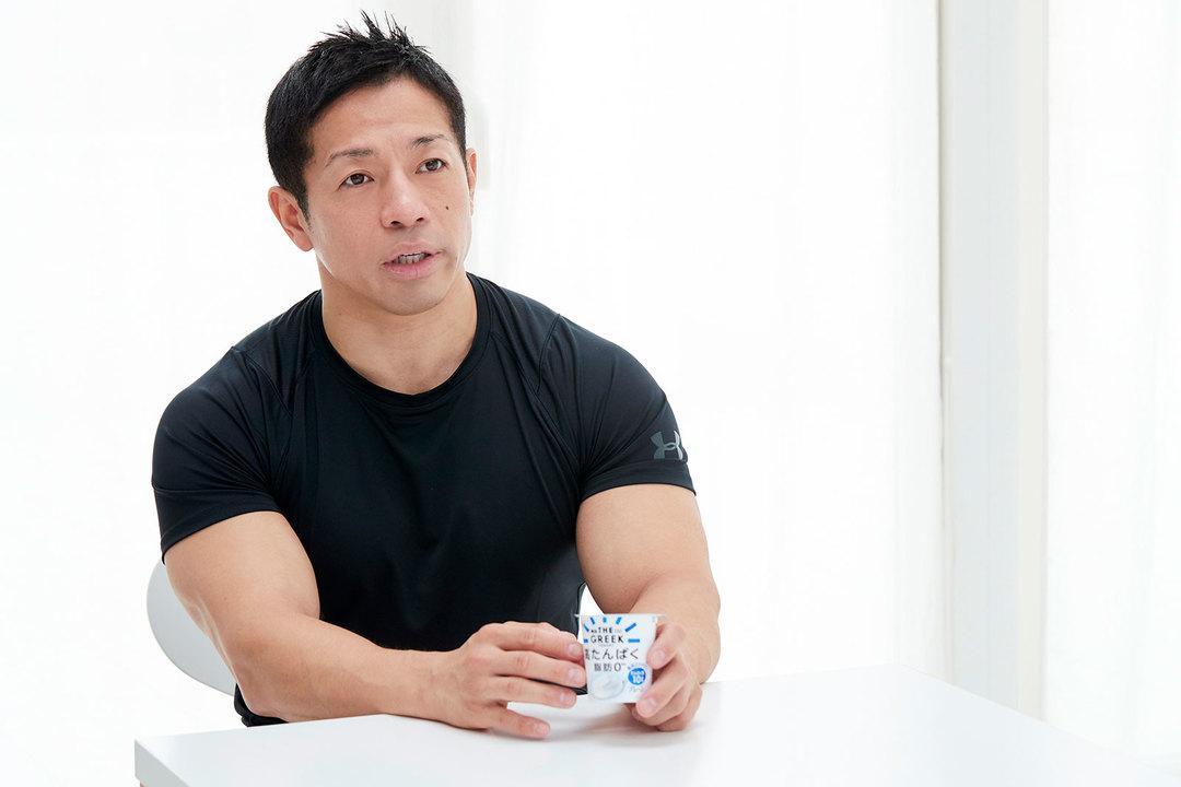 岡田先生のような逞しいカラダになりたい人はもちろん、健康維持にもタンパク質摂取は欠かせない。