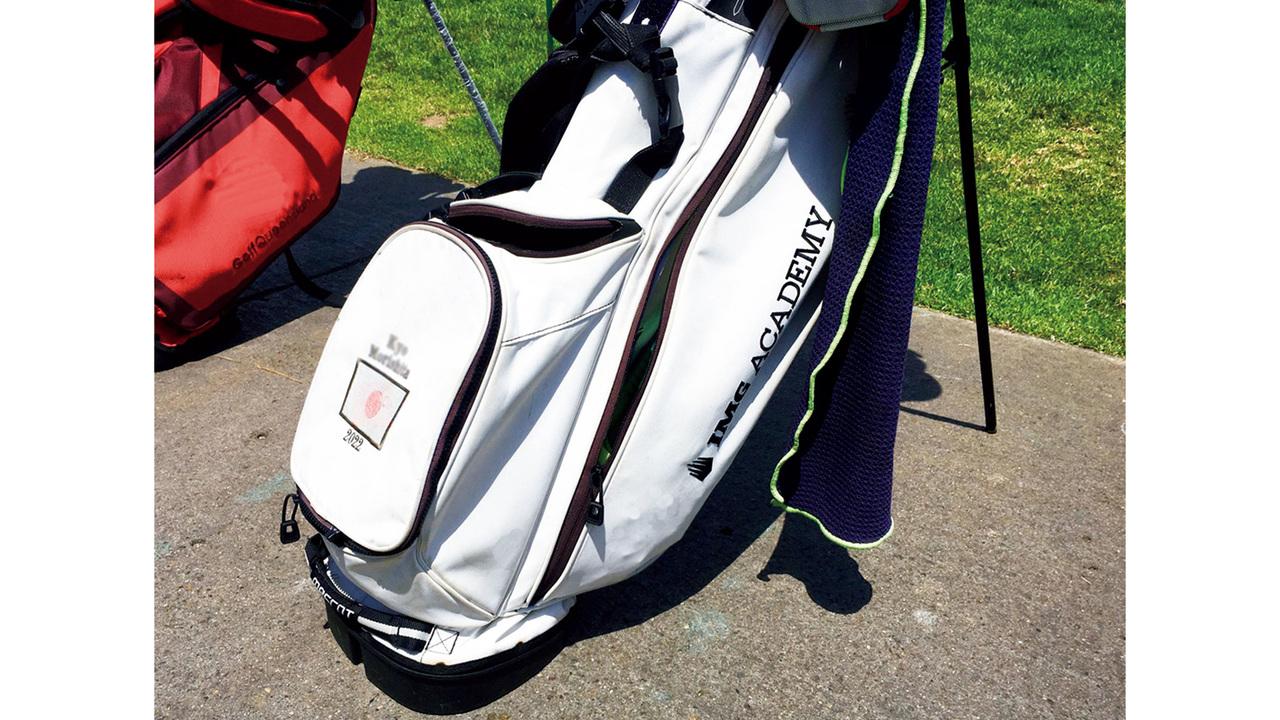 毎年、IMGアカデミーの長期留学生に配られるゴルフバッグ