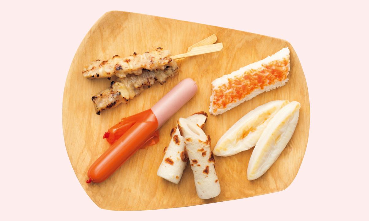 魚肉ソーセージ、かにかま、ちくわ、笹かまなど。それぞれ10〜15g程度タンパク質が補給できる。