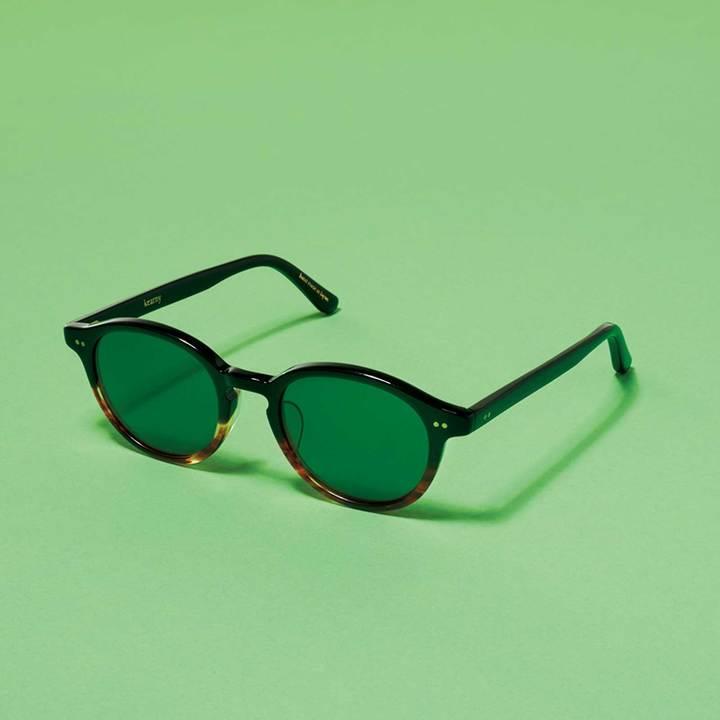 カーニーのサングラス