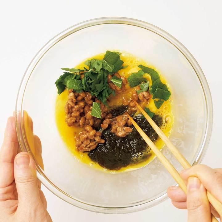 納豆とモズクのオムレツ|シンバイオティクス