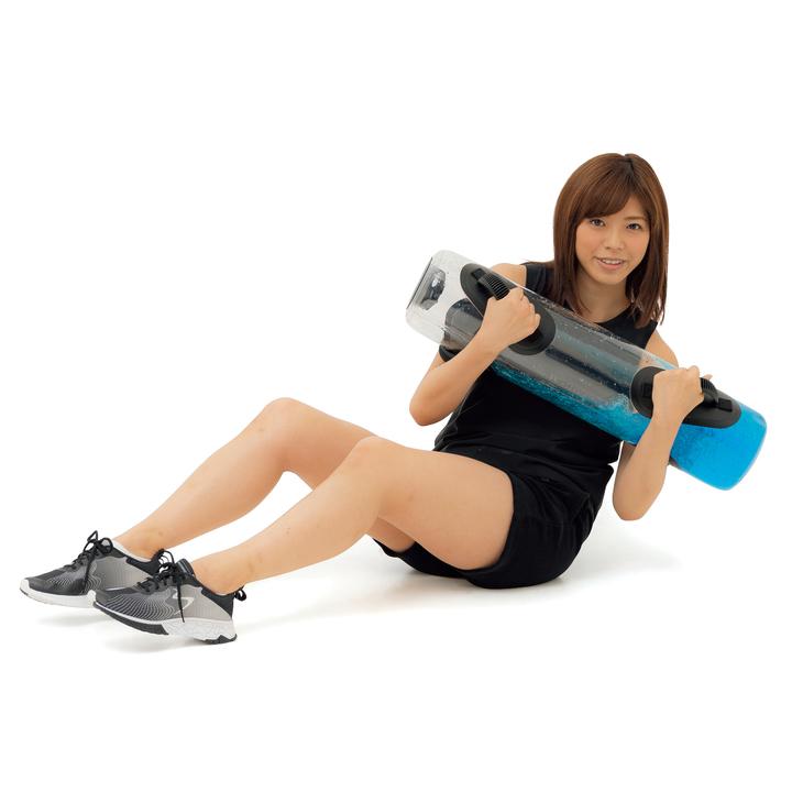 お腹に負荷をかけつつ体幹全体も使う。足が浮かないよう注意。左右各5~10回。