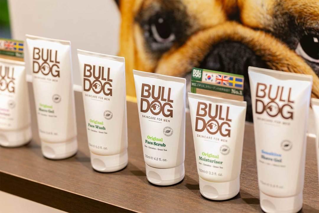 男性用スキンケアブランド〈BULL DOG〉の製品