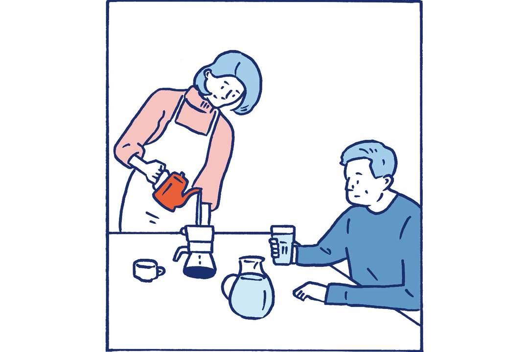 コーヒーを飲む様子