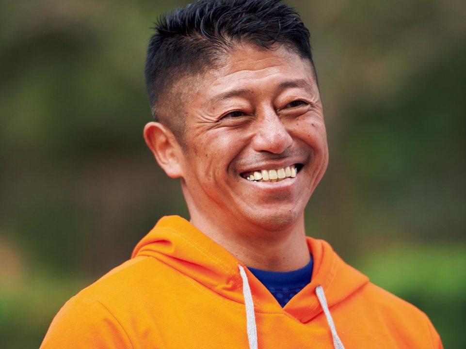 白戸拓也。1963年、青森県生まれ。フージャース ウェルネス&スポーツ。大手フィットネスクラブに30年以上在籍し数多くのエクササイズプログラムを開発。日本国内におけるトレーナーのパイオニア。