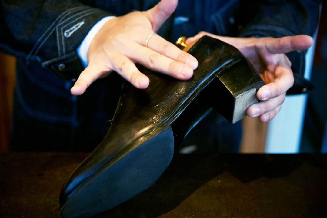 靴磨きの方法その7