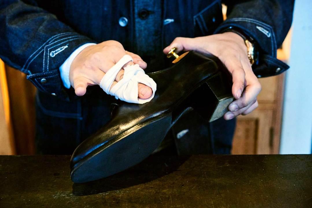 靴磨きの方法その10